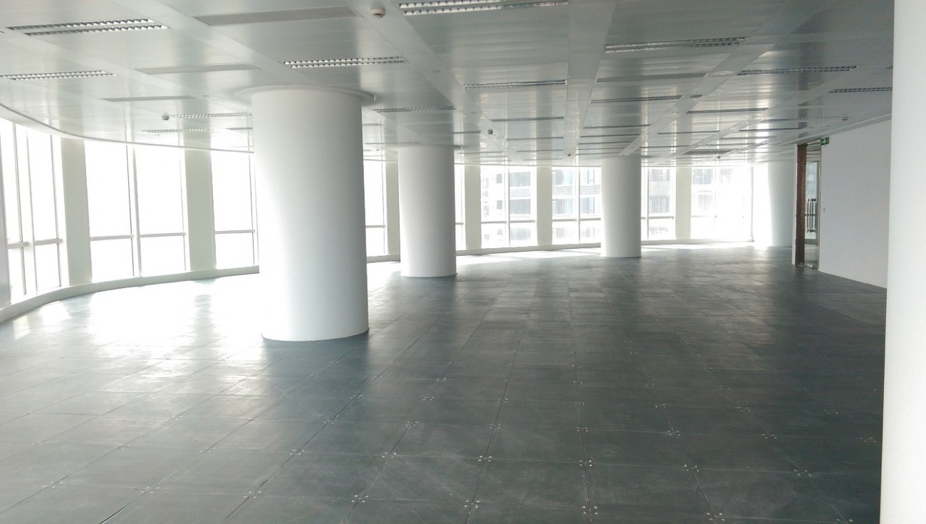 滨江万科中心出租476平办公室有装修无家具