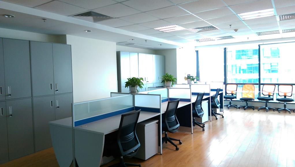 裕景国际商务广场B座出租268平办公室精装修带家具