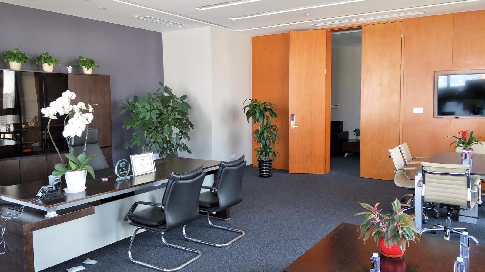 东方纯一大厦出租778平办公室精装修带家具