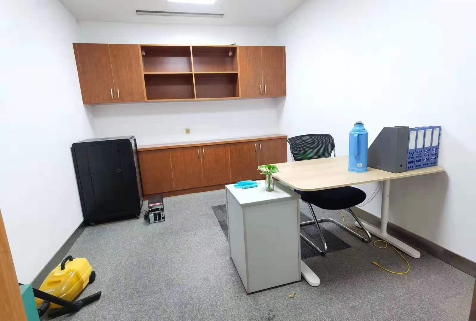 大上海时代广场出租872平写字楼精装修带家具