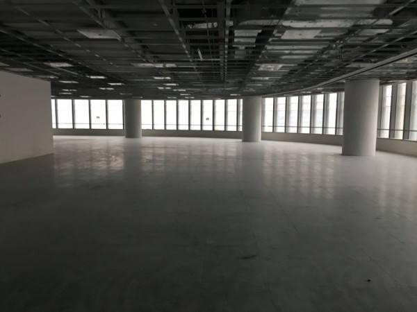 世纪大都会广场出租594平写字楼标准交付