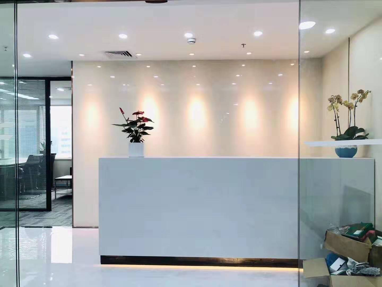 良友大厦出租155平办公室精装修带家具