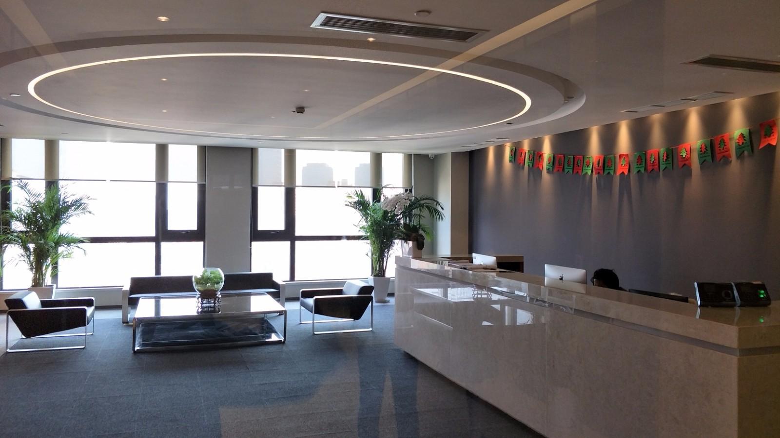 东方纯一大厦出租579平办公室精装修带家具