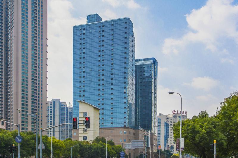 汤臣商务中心大厦
