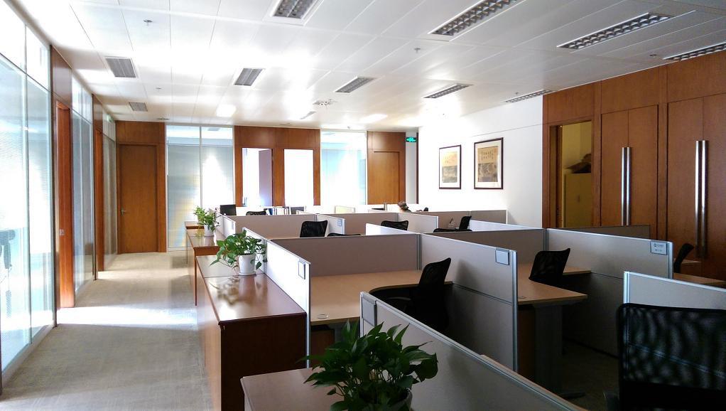 陆家嘴投资大厦出租378平办公室精装修带家具