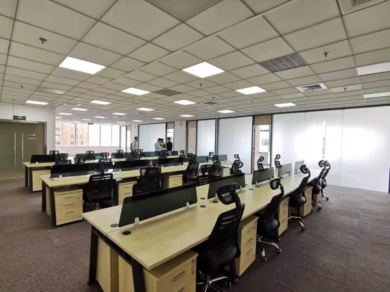 越秀大厦出租463平办公室精装修带家具