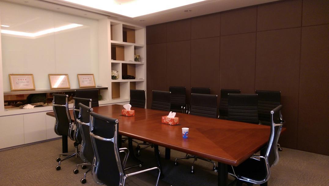 陆家嘴基金大厦出租524平办公室精装修带家具