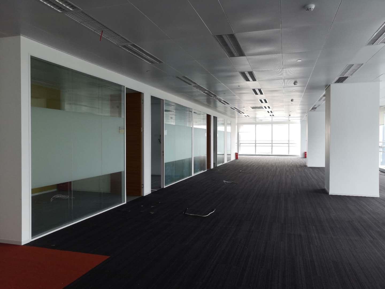 333世纪大厦出租950平办公室有装修无家具
