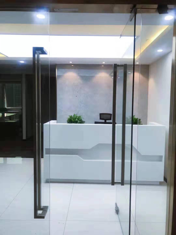 上海招商局大厦出租165平办公室精装修带家具
