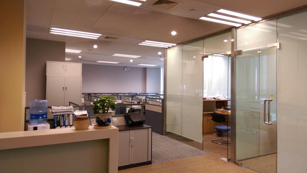 永达国际广场出租293平办公室精装修带家具