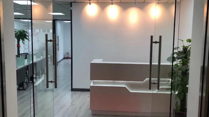 生命人寿大厦出租197平办公室精装修带家具