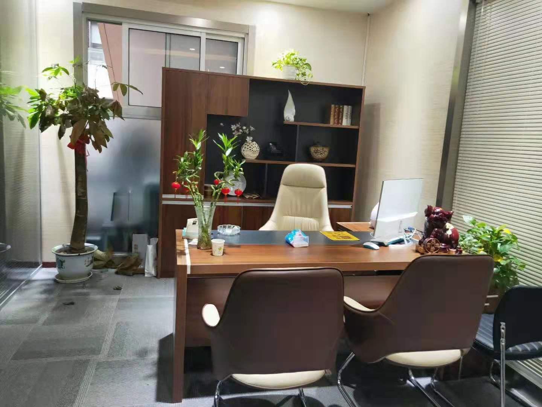 中融国际商城出租188平办公室精装修带家具