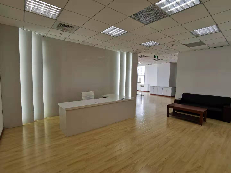 越秀大厦出租410平办公室精装修带家具