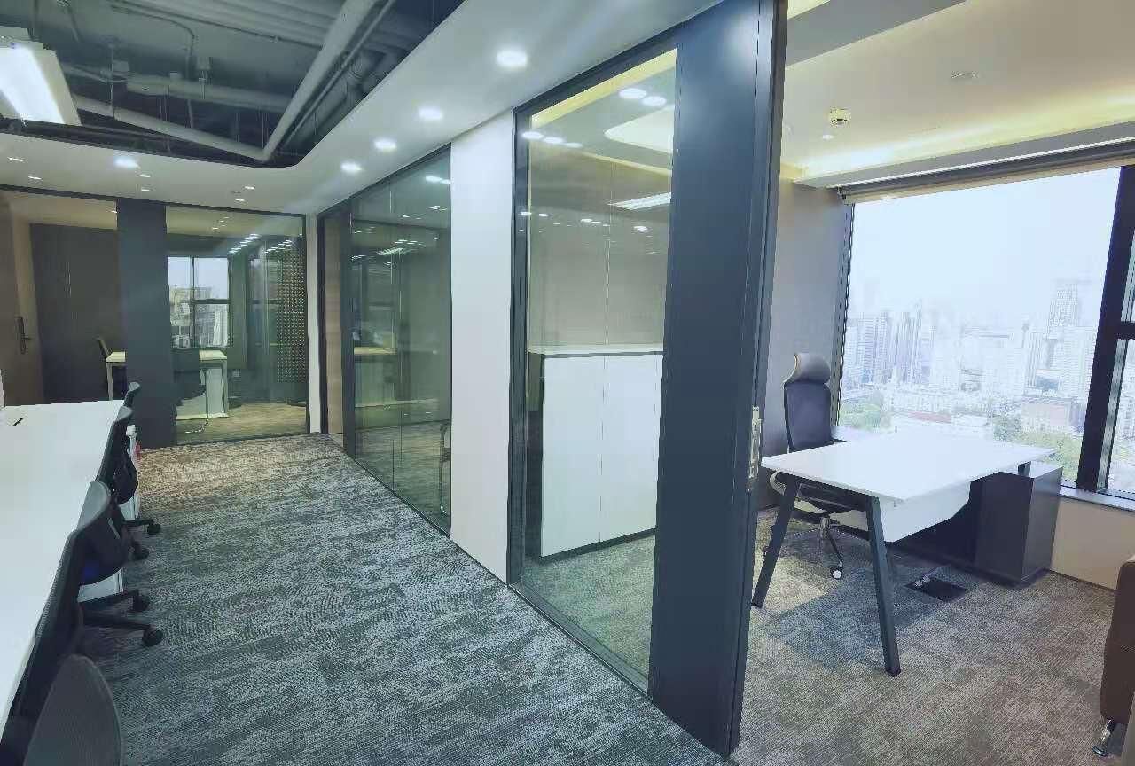新世界大厦K11出租652平写字楼精装修带家具