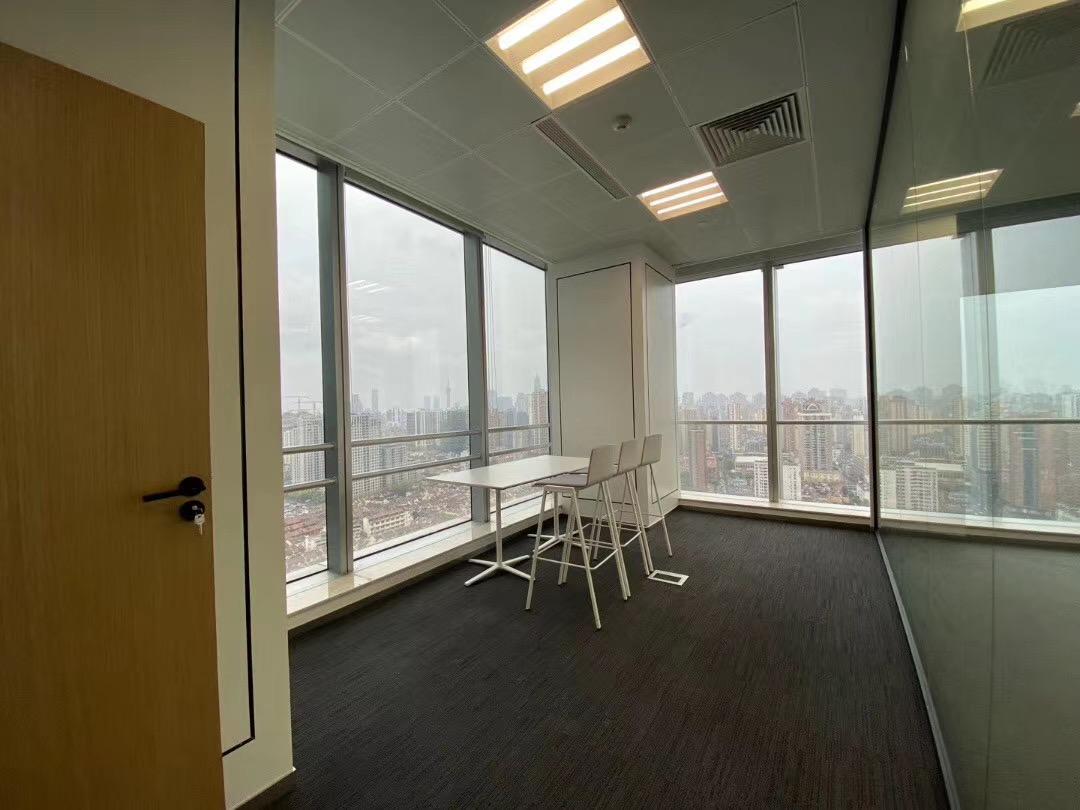 中海国际中心出租975平写字楼有装修无家具