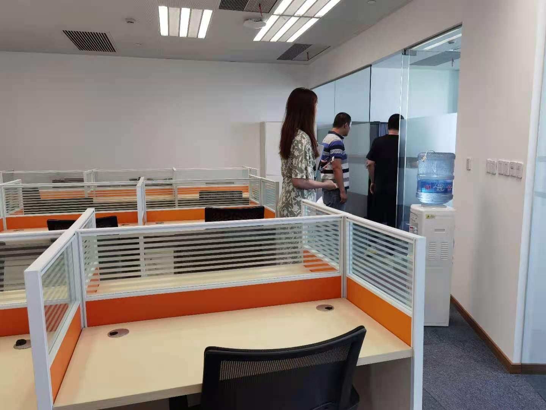 歌斐中心出租651平写字楼精装修带家具