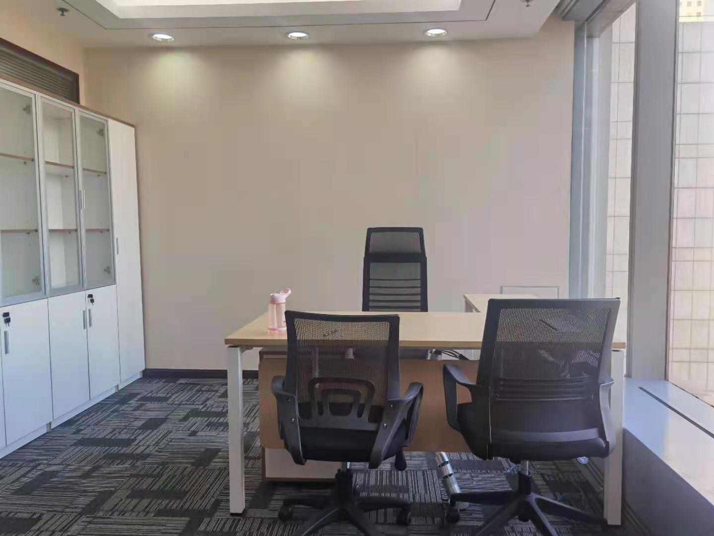 上海银行大厦出租324平办公室精装修带家具