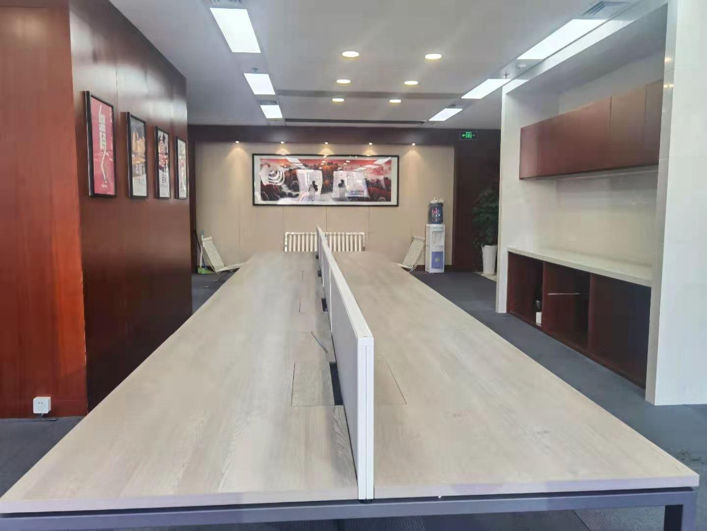 上海银行大厦出租189平办公室精装修带家具