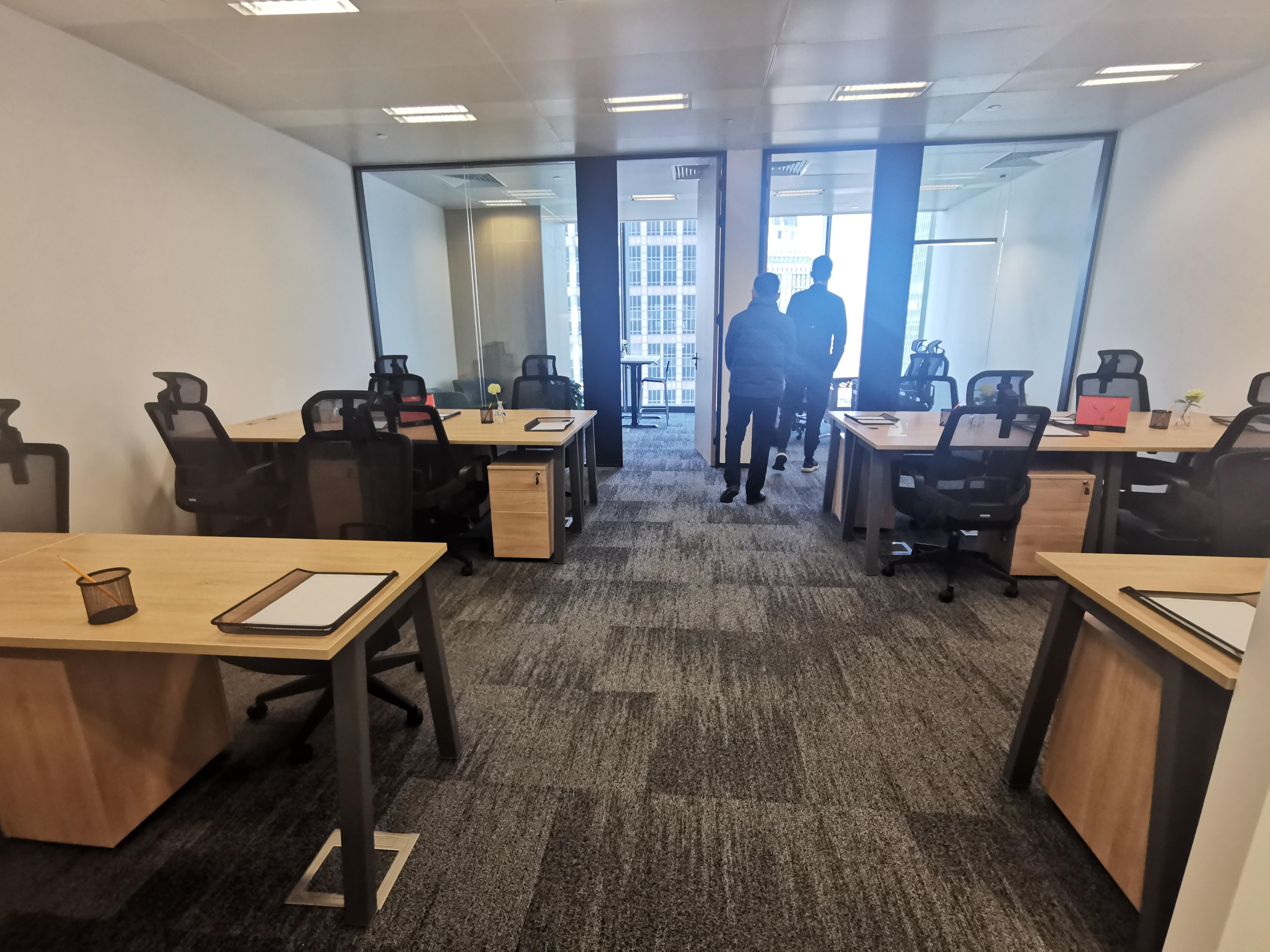 时代金融中心出租97平办公室精装修带家具