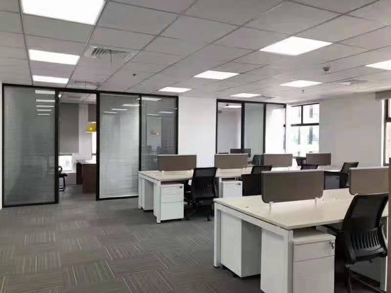 高登金融大厦出租163平写字楼精装修带家具