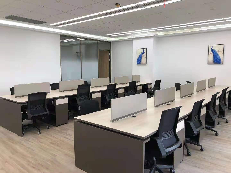 中金上海大厦出租198平办公室精装修带家具