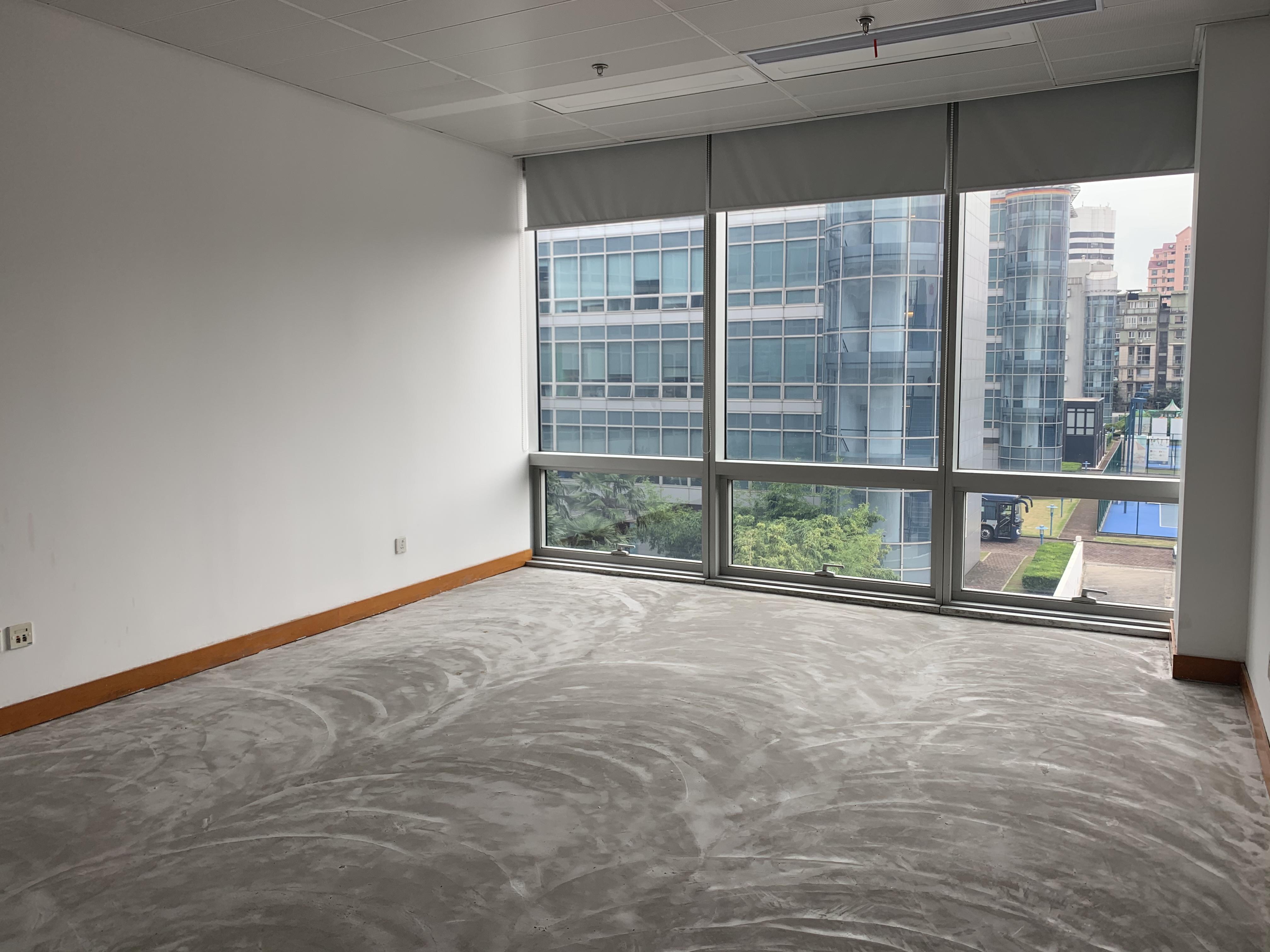 上海德国中心出租232平办公室有装修无家具