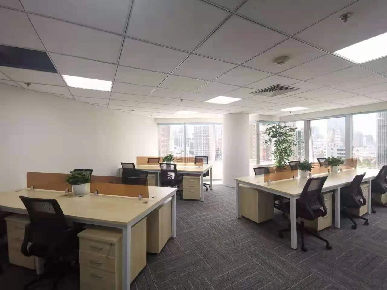 华都大厦出租168平办公室精装修带家具