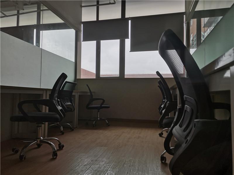 由度工坊出租103平办公室精装修带家具