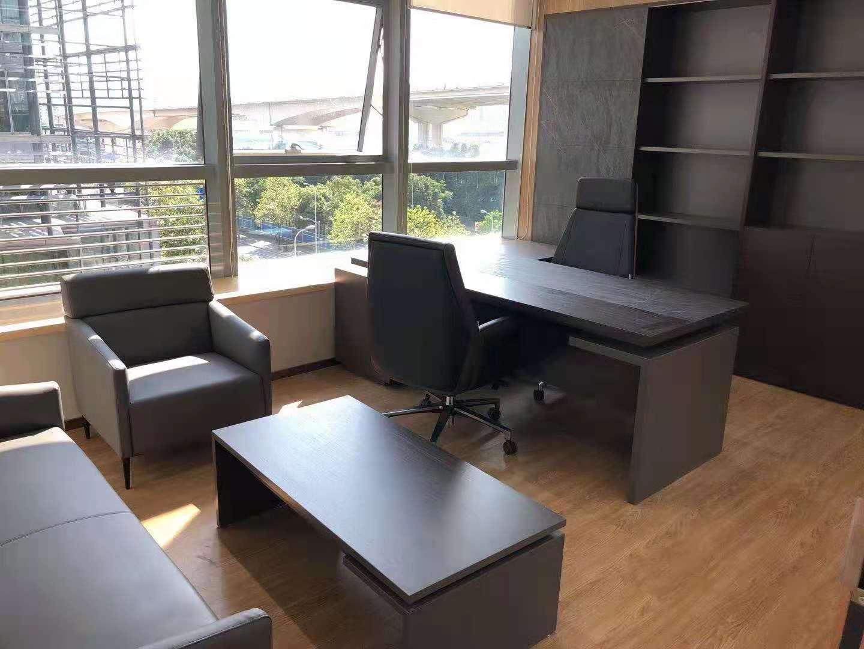 中金上海大厦出租298平办公室精装修带家具