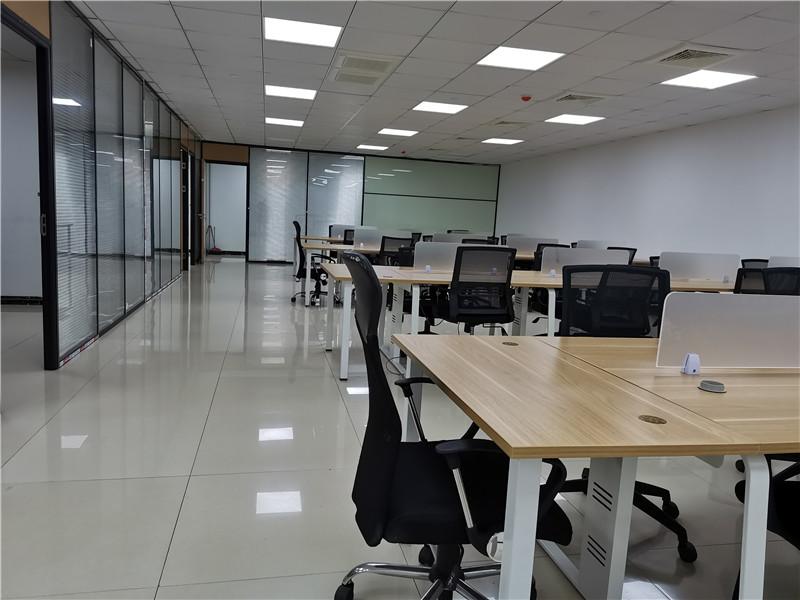 安航企业中心出租345平办公室精装修带家具