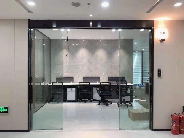 禹州广场出租168平办公室精装修带家具