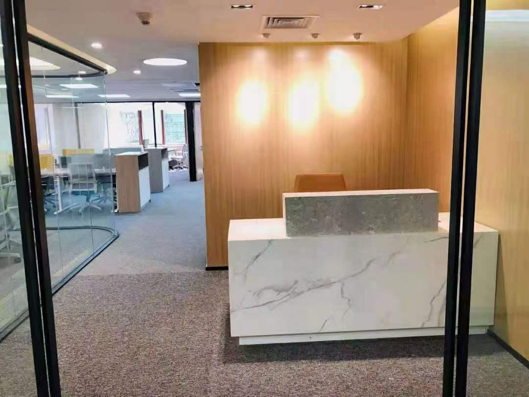 东方国际科技大厦出租243平办公室精装修带家具