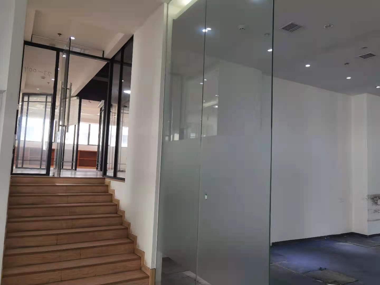 宏慧盟智园出租740平写字楼有装修无家具