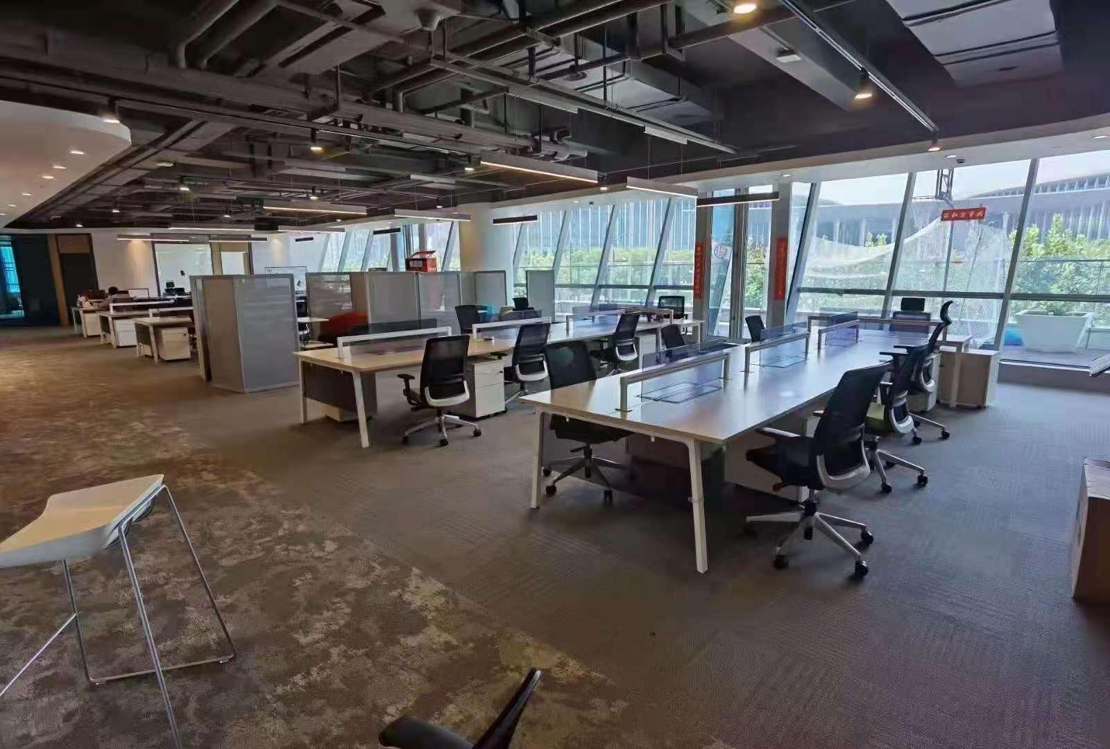 虹桥世界中心出租330平写字楼精装修带家具