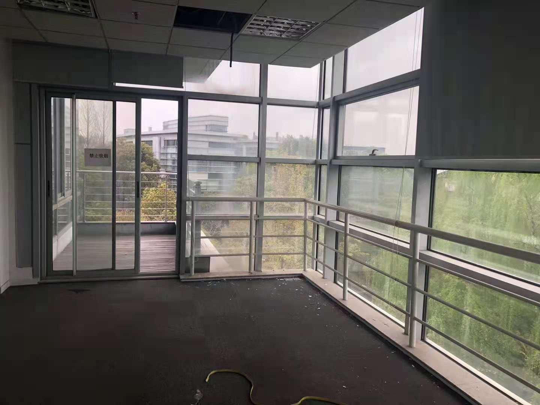科技领袖之都出租478平办公室有装修无家具