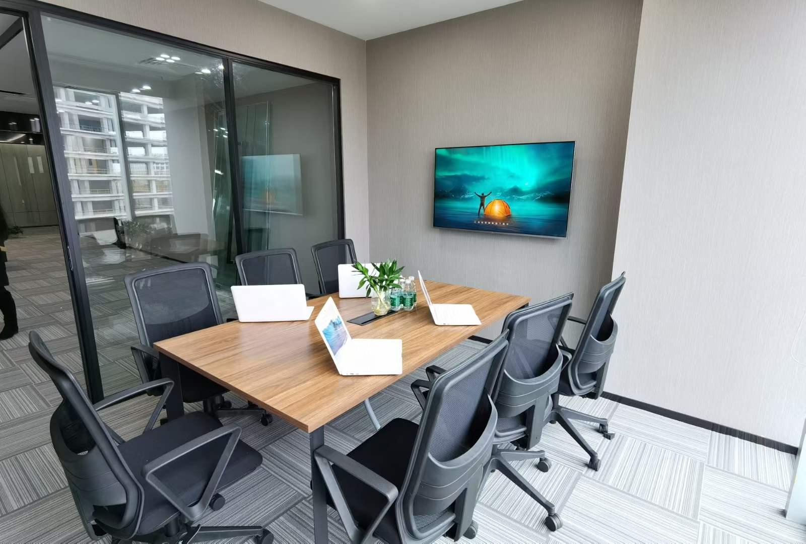 宝龙城市广场出租115平办公室精装修带家具