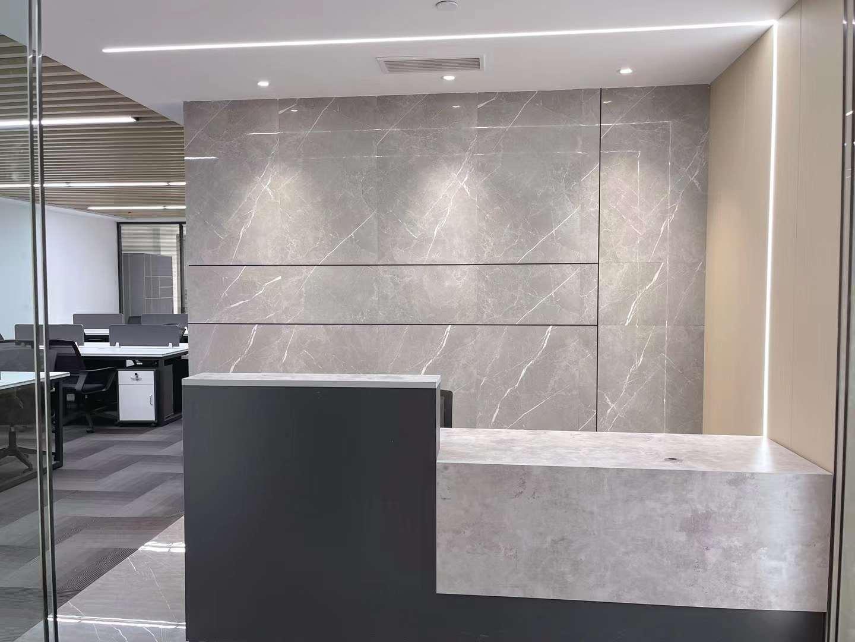 世界广场出租257平办公室精装修带家具