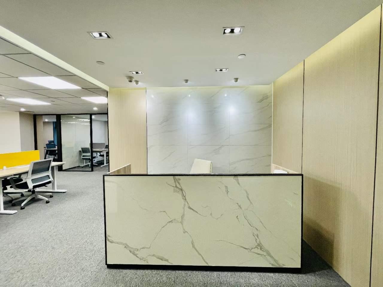 同盛大厦出租168平办公室精装修带家具