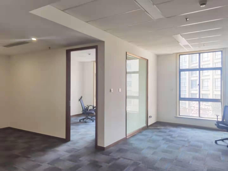 虹桥叶迪商务园出租674平写字楼有装修无家具