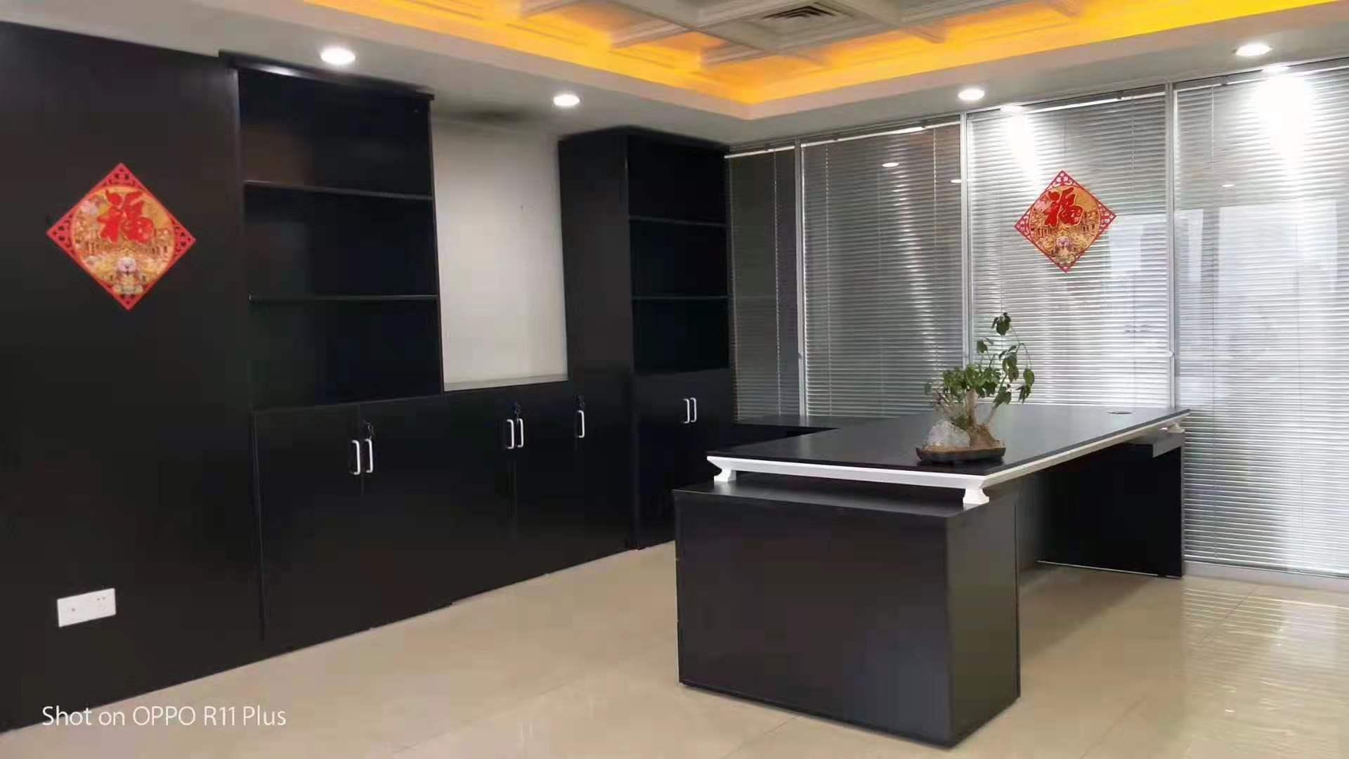 乐凯大厦出租156平办公室精装修带家具