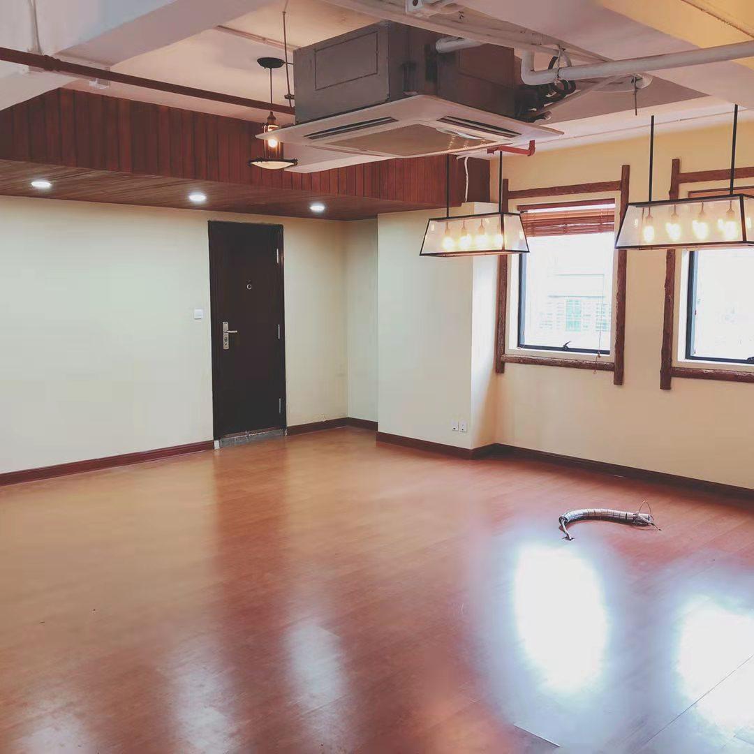 德必外滩WE国际文化创意中心出租487平写字楼有装修无家具