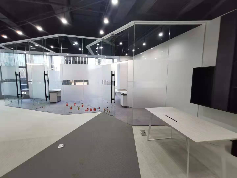 LCM置汇旭辉广场出租532平办公室有装修无家具