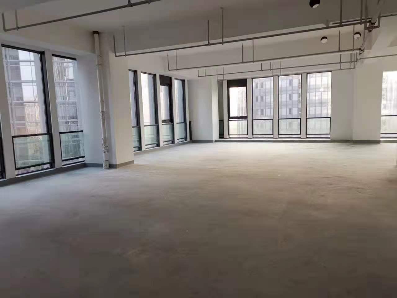华西融创中心出租740平写字楼标准交付