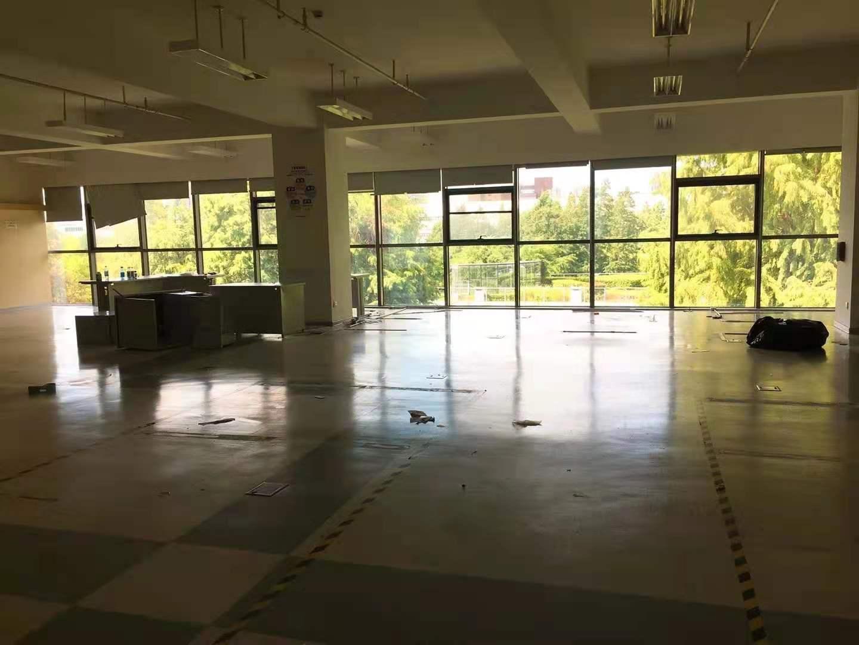 浦江智谷商务园出租1200平写字楼有装修无家具