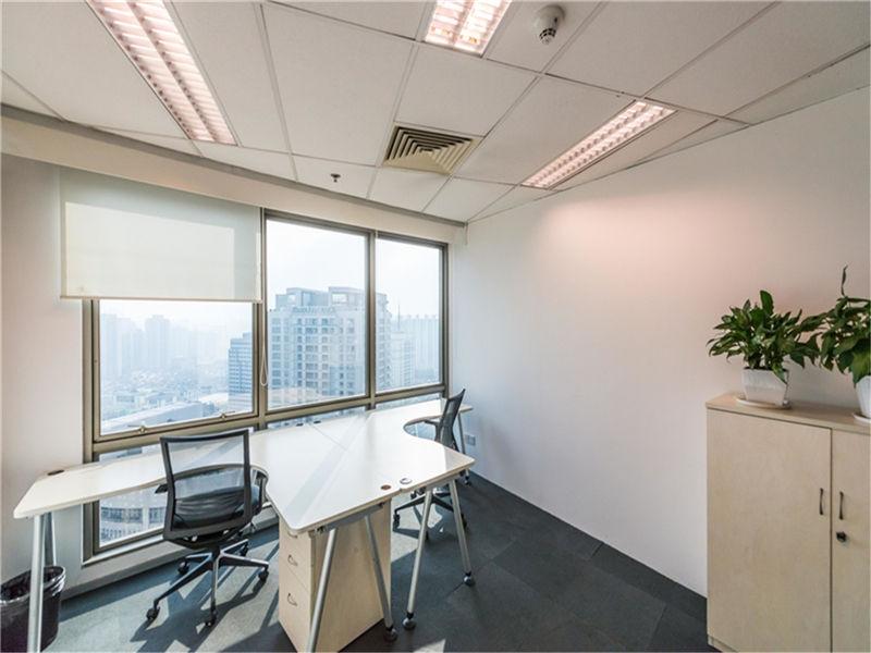 大上海时代广场ARCC艾克出租3人间带窗户现房