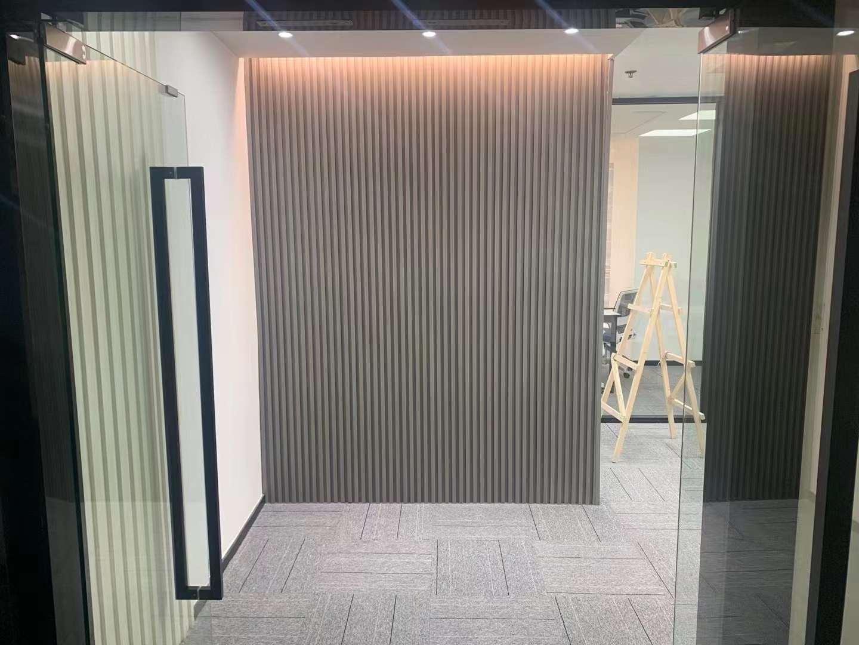 永华大厦出租96平办公室精装修带家具