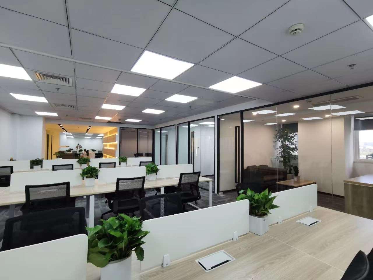 东方希望大厦出租261平办公室精装修带家具