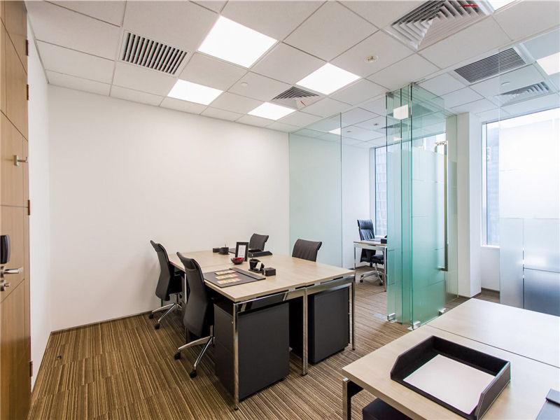 环球金融中心CEO事易好出租15人间带窗户现房