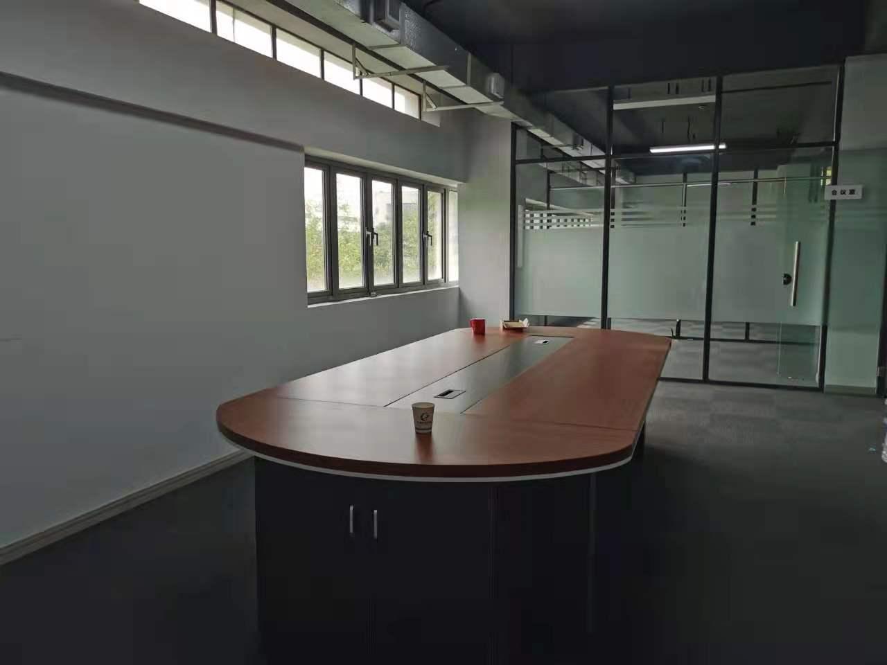 浦江智谷商务园出租365平写字楼精装修带家具