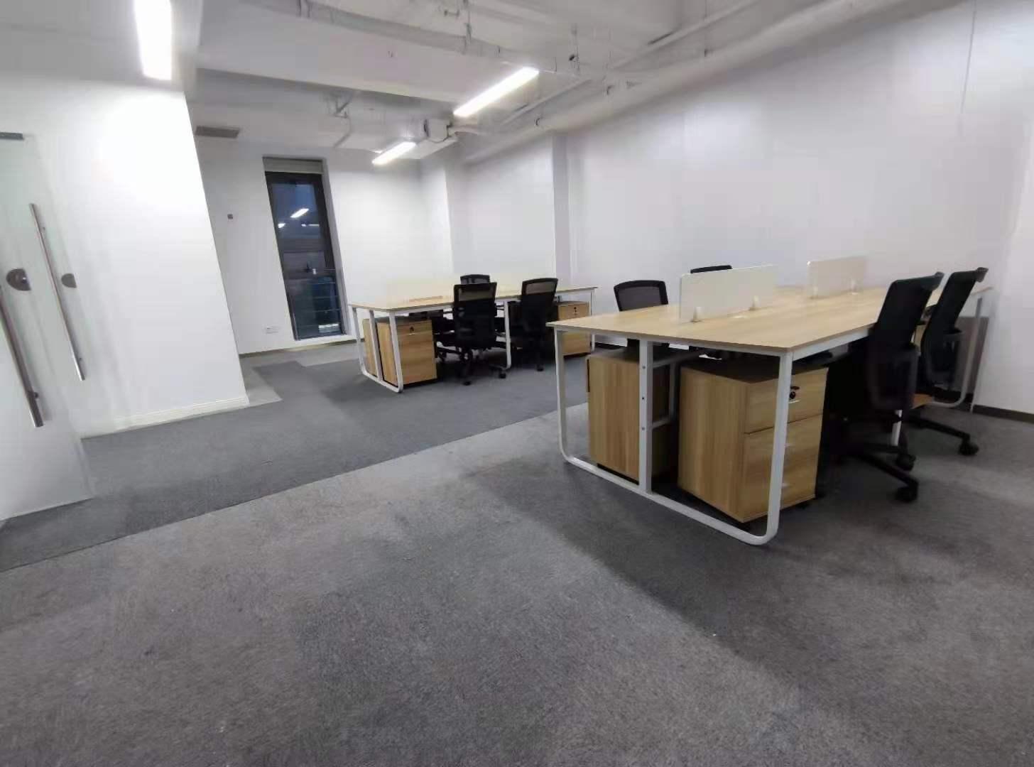 中达广场出租102平办公室精装修带家具